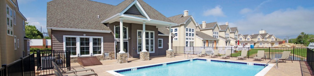 clubhouse pool_view